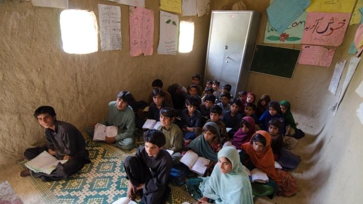 pk-besp-community-school-classroom-735x490