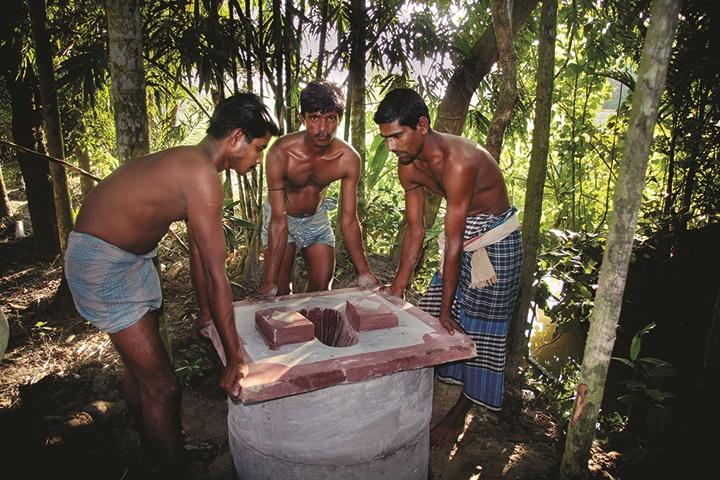 bangladesh-toilet-1